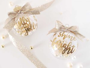 gold_hand_lettering_christmas_ornaments_picniic_crafts